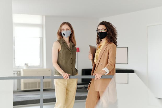 Нова заповед: Колективи до седем души могат да свалят предпазните маски
