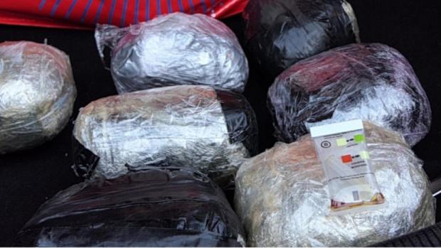 Заловиха 16 кг хероин в кюстендилско село, двама души са задържани