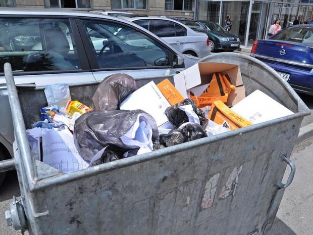 Тяло на починало бебе е било намерено в кофа за