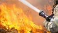 Гасят пожари край няколко села, огънят достигна къщите