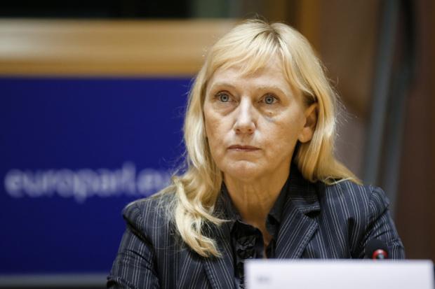 Йончева: Европейската агенция по убежището ще ни защити от бежанска вълна