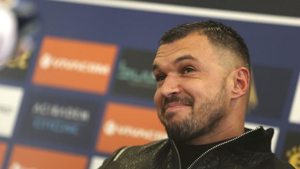 Футболистите на Левки искат Валери Божинов да се откаже от футбола
