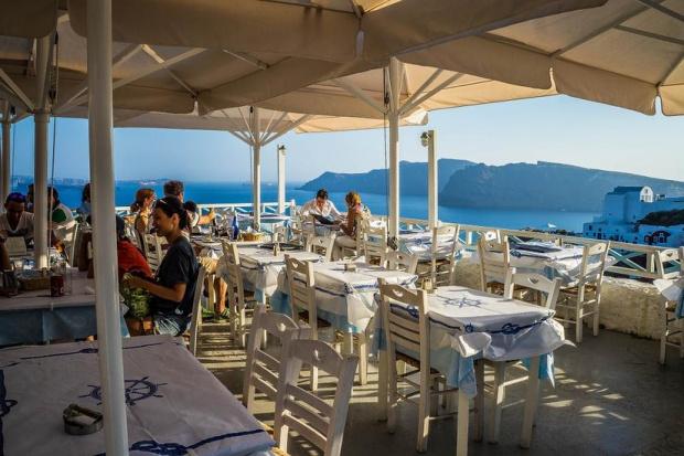 Туристическият бранш: Градините на хотели и ресторанти да работят на пълен капацитет