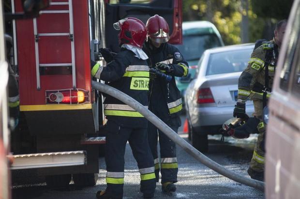 Огромен пожар в дом за възрастни хора взе жертва