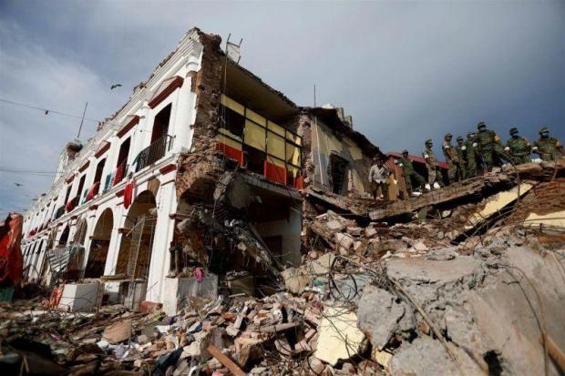 Най-малко осем души са загинали след срутване на хотел рухна в Китай (ВИДЕО+СНИМКИ)