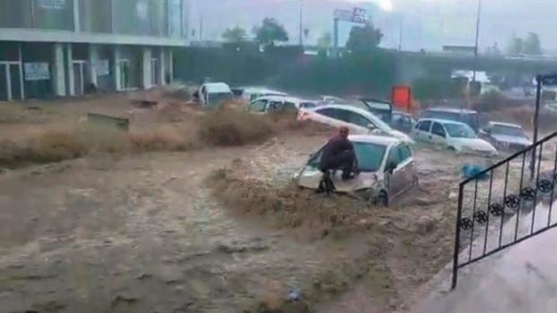 ВИДЕО Библейски потоп удави големи части на Германия - има много жертви, ранени и щети