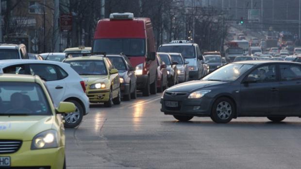Шофьори, внимание! Вижте в коя кaтeгopия пoпaдa колата ви, според новите изисквания ГРАФИКА