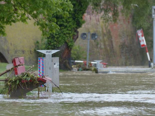 Над 10 000 са евакуирани след наводнения в Китай