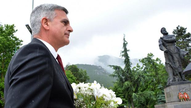 Янев: Служебни министри може да станат част от редовен кабинет