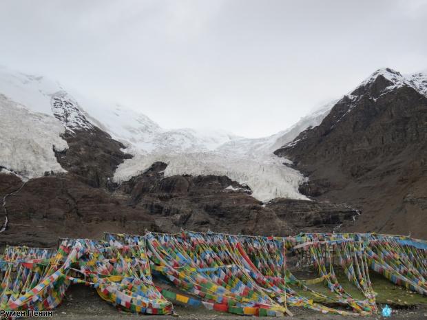 Откриха нови вируси в топящи се тибетски ледници