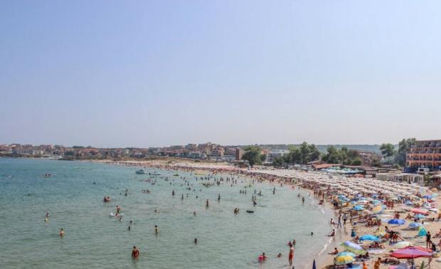 Време за плаж: Слънчева и топла събота, морската вода + 27°