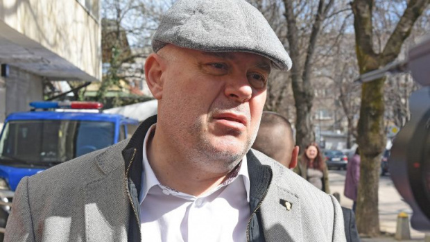 Рашков поиска от шефа на националната следствена служба да погне Иван Гешев