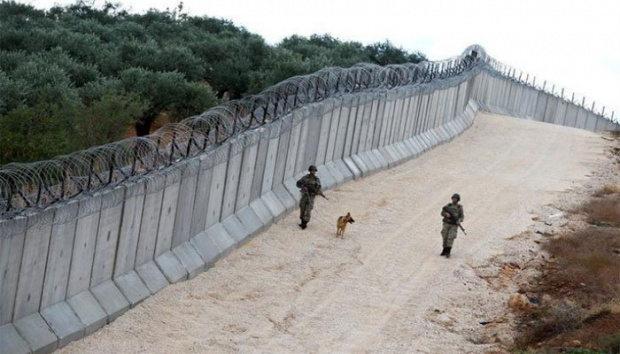 Турция издига мини-китайска стена с дължина 295 км. по границата си с Иран