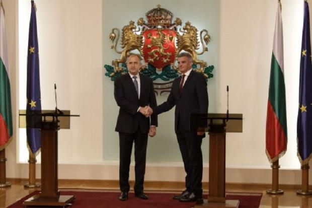Радев и Янев зоват за бързо формиране на правителство