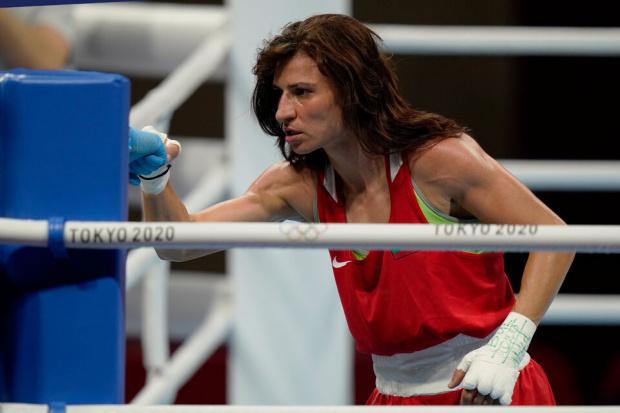Боксьорката Стойка Кръстева размаза и американка - медалите се виждат на хоризонта