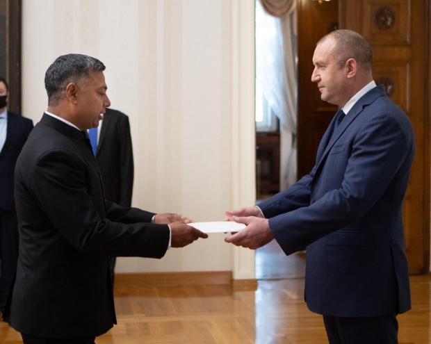Посланикът на Индия връчи акредитивните си писма на президента на Република България