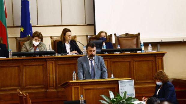 Филип Станев: Слави Трифонов всеки ден играе баскетбол, в чудесно здравословно състояние е