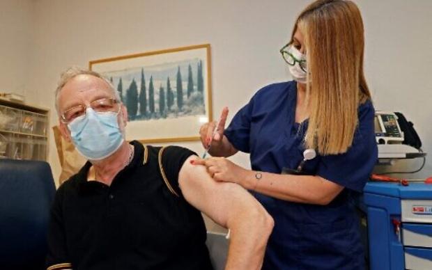 Израел стартира поставяне на трета доза от ваксината Пфайзер