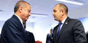 Радев призова Ердоган да продължава да не ни пуска мигранти