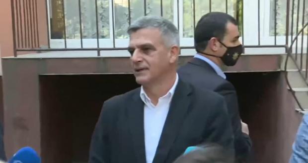 Премиерът Стефан Янев свика днес в 19 часа спешна среща