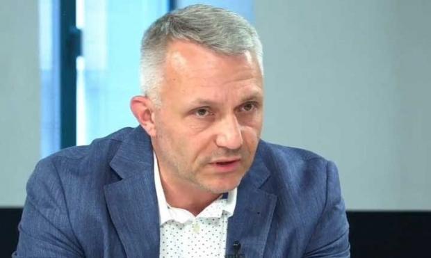 Хаджигенов иска незабавни разговори със Слави, след като Радев връчи третия мандат