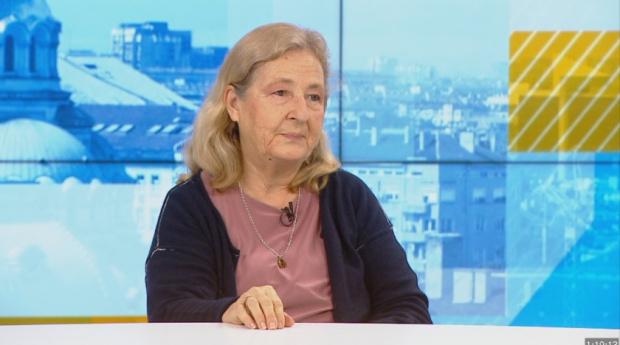 Проф. Кожухарова: Ваксинирането ни дава възможност да не променяме начина си на живот