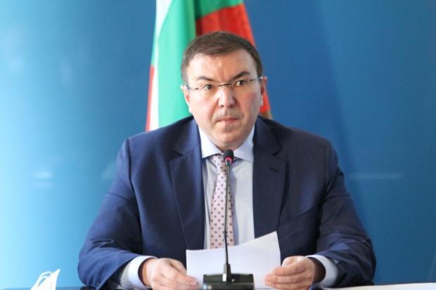 Екс здравният министър проф. Ангелов: България вече е в червената зона