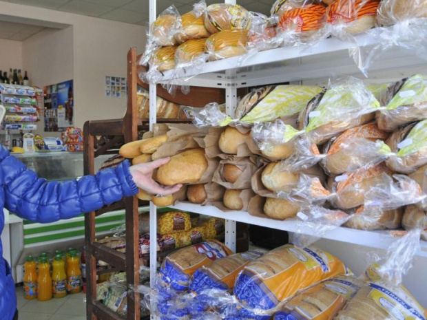 Цените на храните летят лудо нагоре, заплатите не помръдват