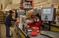 Дойче веле: Турците се задъхват от високите цени, купуват само най-неотложното