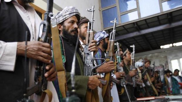 Гранатомети, хеликоптери и бронирана техника - новият арсенал на талибаните (ВИДЕО)