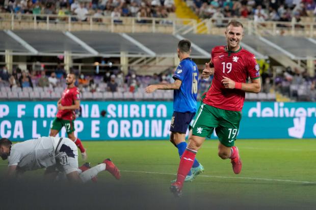 Задружна България изкопчи точка от еврошампиона Италия във Флоренция с гол на Атанас Илиев