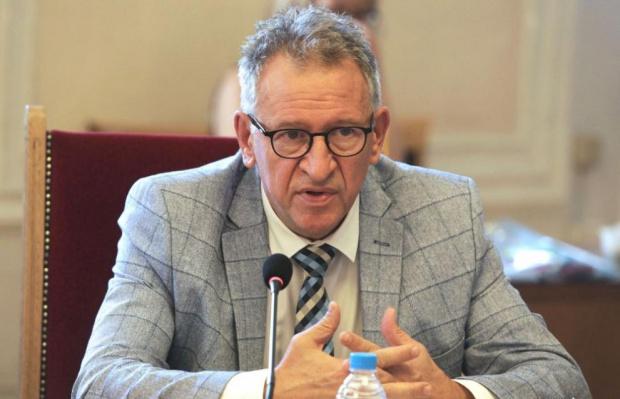Кацаров: Вече е необходимо преструктуриране на болниците заради COVID