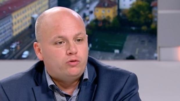 Александър Симов: Парламентът е като психиатрия, останала без лекарства