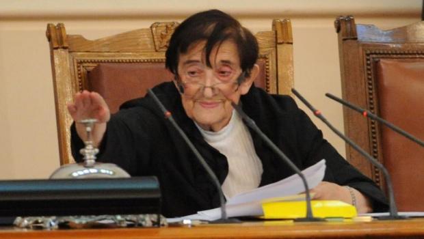Мика Зайкова готова да открие и следващото НС: Лошото е, че не ме слушат и не четат надписа на парламента
