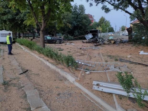 Спял ли е на волана шофьорът на ТИР-а? Шефът на полицията в Бургас с подробности за мелето в Айтос