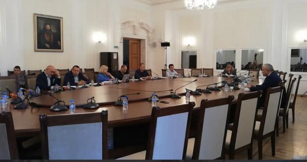 """НА ЖИВО: Започна последното заседание на комисията """"Магнитски"""" - изслушват силовия министър"""