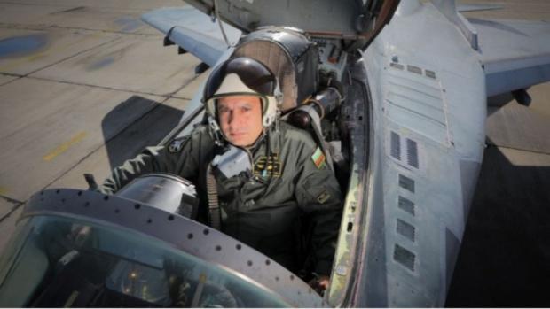 Разчетоха черна кутия на рухналия край Шабла МиГ-19, пилотиран от майор Валентин Терзиев
