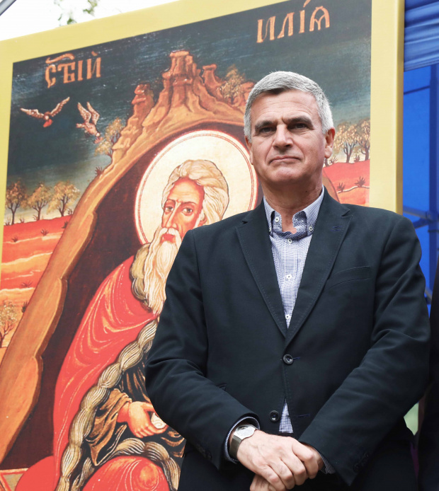 Янев освободи трима зам.-министри
