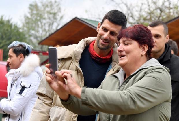 Новак Джокович реши да разнообрази след разочарованието на финала на