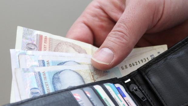 От 1 януари минималната работна заплата да скочи със 120