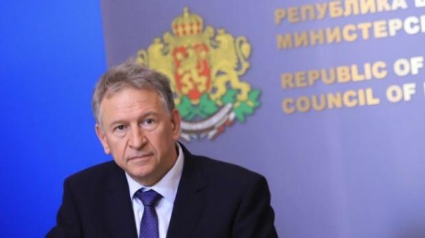 Здравният министър Стойчо Кацаров даде брифинг, за да разясни много