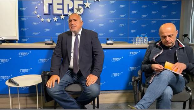 Вчера Румен Радев каза, че партиите не агитирали за ваксиниране,