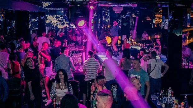 Заведения и дискотеки в Пловдив бяха претъпкани като за последно